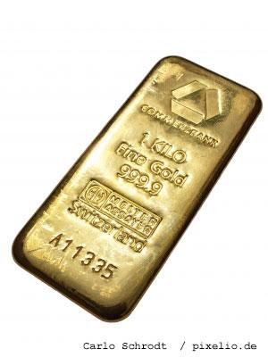 Goldbarren_by_Carlo-Schrodt_pixelio-de
