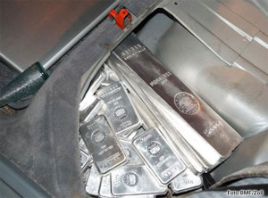Zoll stoppte 65kg Geiger-Silberbarren bei Schmuggel aus der Schweiz