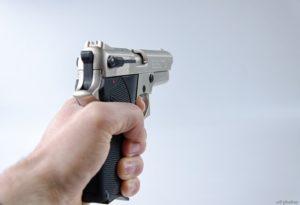 pistole-ueberfall-goldhaendler-pixabay