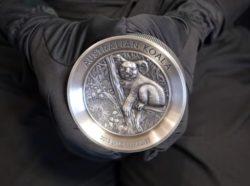 Perth Mint überrascht mit 2kg Koala Silbermünze 2018 in Antik Finish