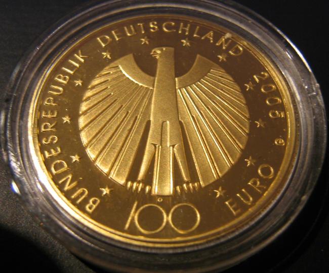 Goldeuro 100 Euro 2005 - erschienen 2005 zur Fußball WM 2006 - Nennwertseite